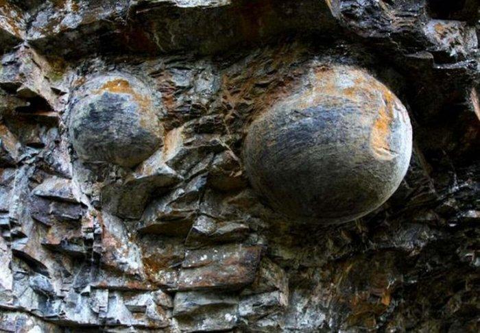 Прикосновение к камню в горе сулит удачу во Ð²ÑÐµÑ Ð´ÐµÐ»Ð°Ñ. / Фото: www.lifeglobe.net