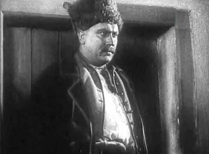 Александр Хвыля, кадр из фильма «Кармелюк», 1938 год. / Фото: www.kino-teatr.ru