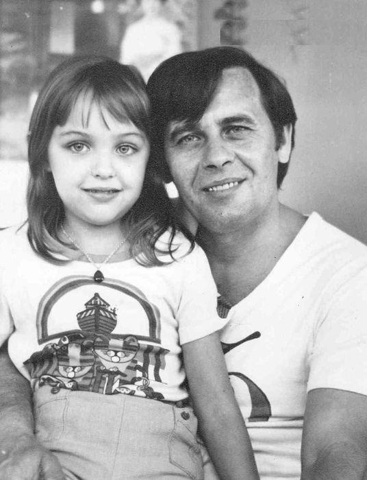 Татьяна Проценко с папой. / Фото: www.lnechaev.narod.ru