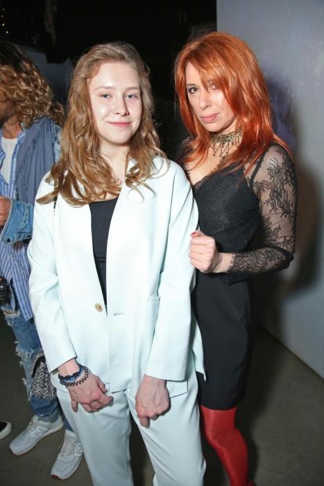 Алёна Апина с дочерью Ксенией. / Фото: www.woman.ru