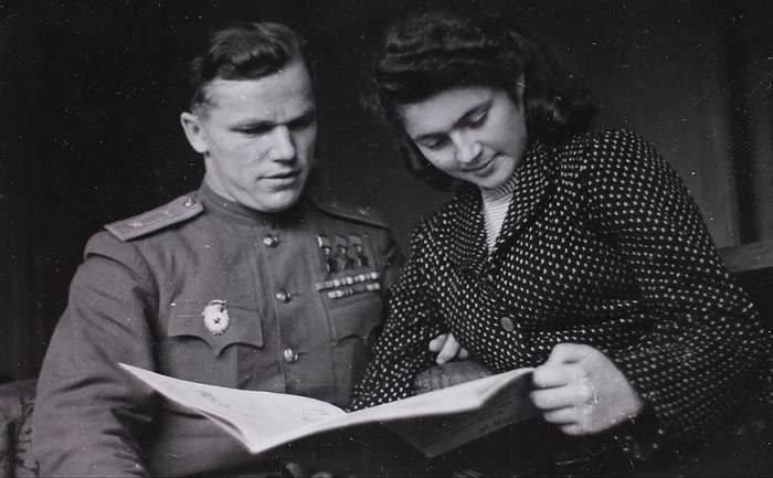 Иван Никитович Кожедуб с женой Вероникой Николаевной. / Фото: www.kommersant.ru
