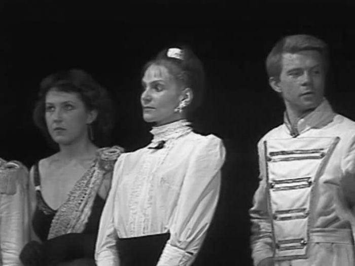 Людмила Артемьева и Сергей Парфёнов на сцене, 1986 год. / Фото: www.kino-teatr.ru