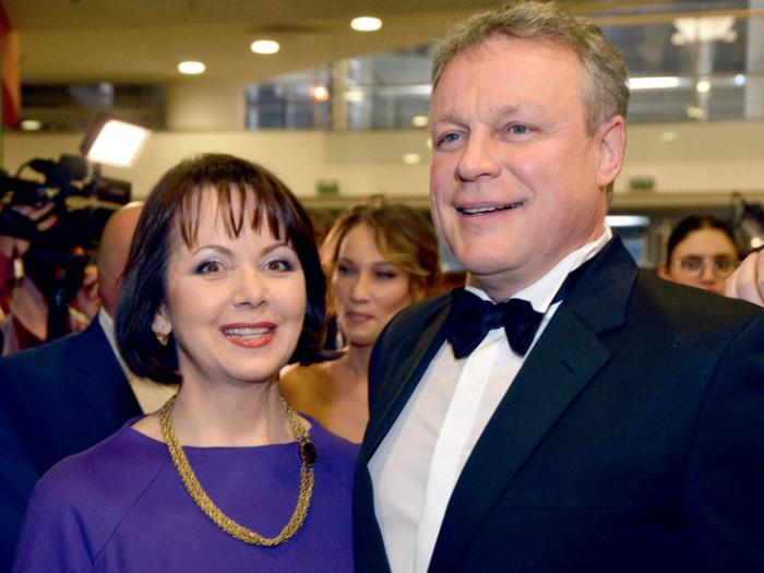 Сергей Жигунов и Вера Новикова. / Фото: www.cosmopolitan.ru
