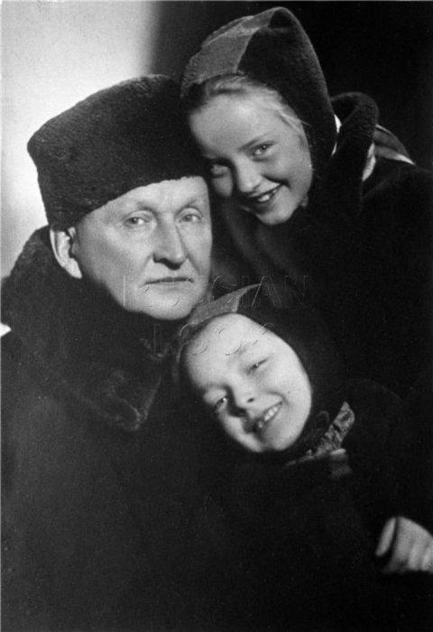 Александр, Марианна и Анастасия Вертинские. / Фото: www.mtdata.ru