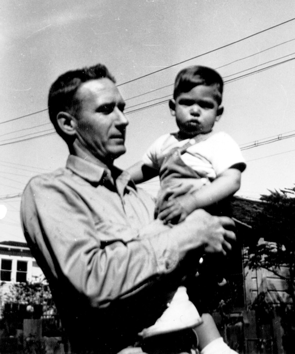 Стив Джобс в детстве с приемным отцом. / Фото: www.mahkan.com