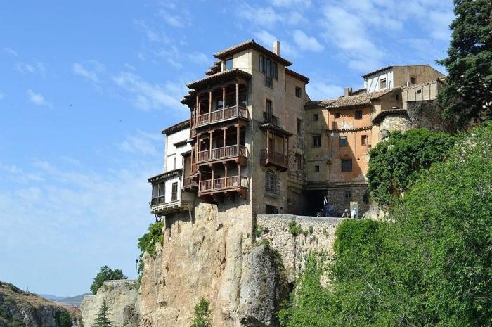 Касас-Кольгадас, висячие дома. / Фото: www.ed-ex.me