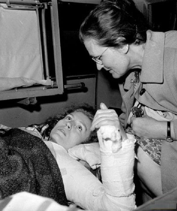 Анна Герман с мамой. После аварии. / Фото: www.pressa.tv