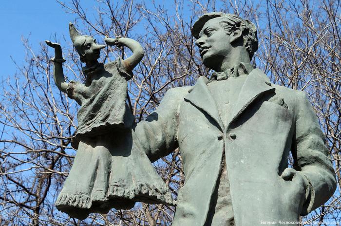 Памятник Сергею Образцову. / Фото: www.yamoskva.com