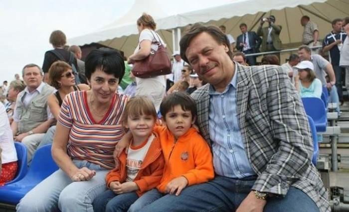 Михаил Барщевский  с женой и детьми. / Фото: www.ria.ru