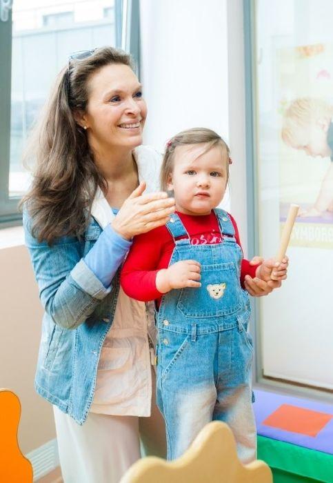 Марина Могилевская с дочкой. / Фото: www.paparazzi.ru