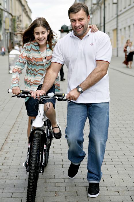 Михаил Пореченков с дочерью Варварой. / Фото: www.ljplus.ru