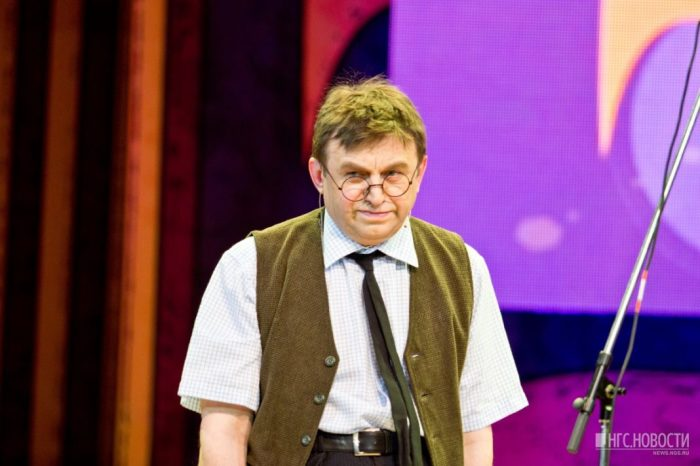 Владимир Дуда на сцене КВН. / Фото: www.oren.ru