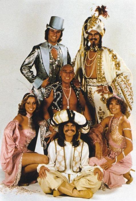 Группа «Чингисхан». / Фото: www.ameba.jp