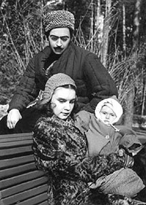 Серго Берия с женой и дочерью. / Фото: www.gordon.com.ua