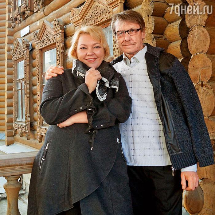 Вячеслав Воскресенский с дочерью Юлией. / Фото: www.7days.ru