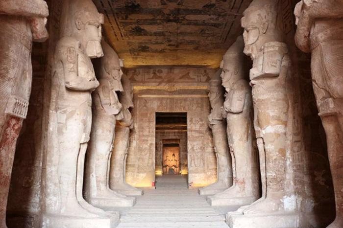 Интерьер Большого Храма. / Фото: www.delunegroup.com