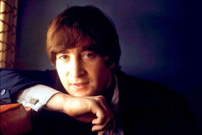 Джон Леннон. / Фото: www.resize-parismatch.ladmedia.fr