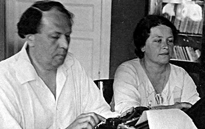 Наталья Крандиевская и Алексей Толстой. / Фото: www.persons-info.com