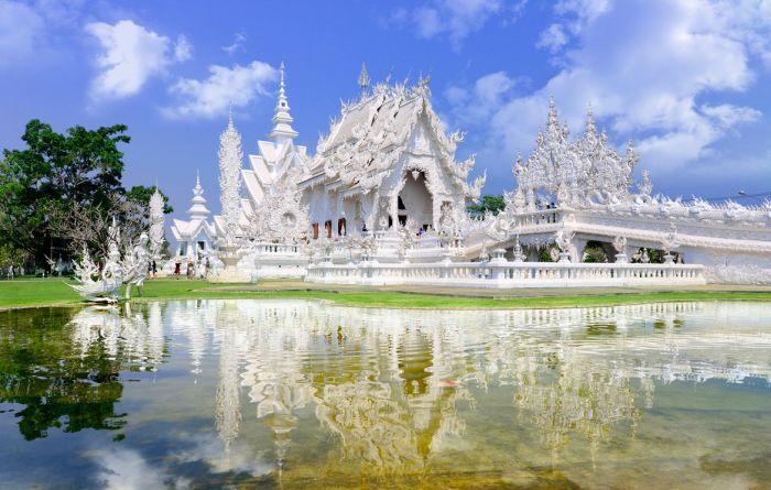 Wat Rong Khun. / Фото: www.wendytourchiangmai.com