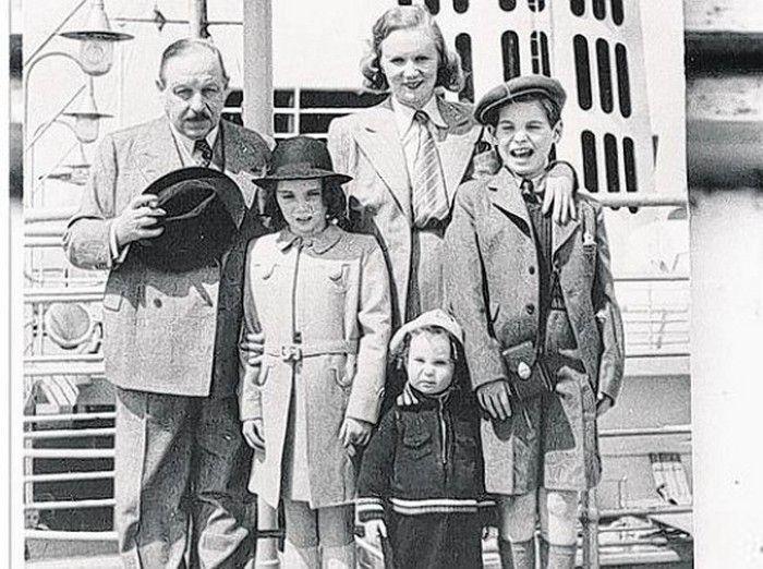 Имре Кальман и Вера Макинская с детьми. / Фото: www.pressa.tv