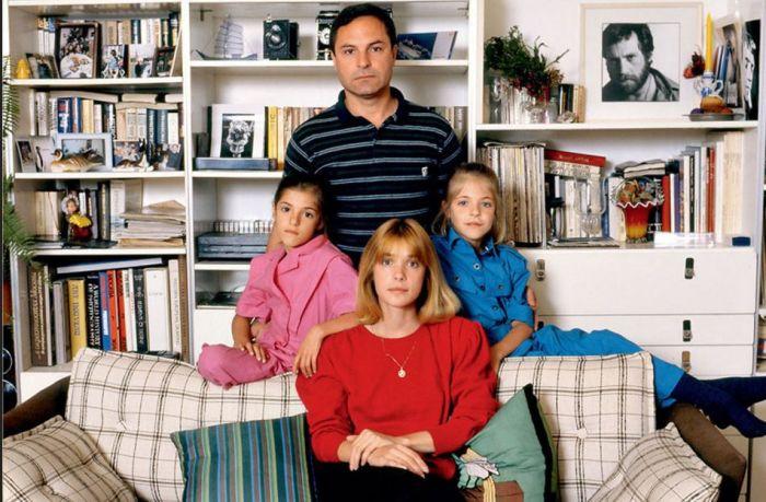 Вера Глаголева и Родион Нахапетов с Анной и Марией. / Фото: www.7days.ru