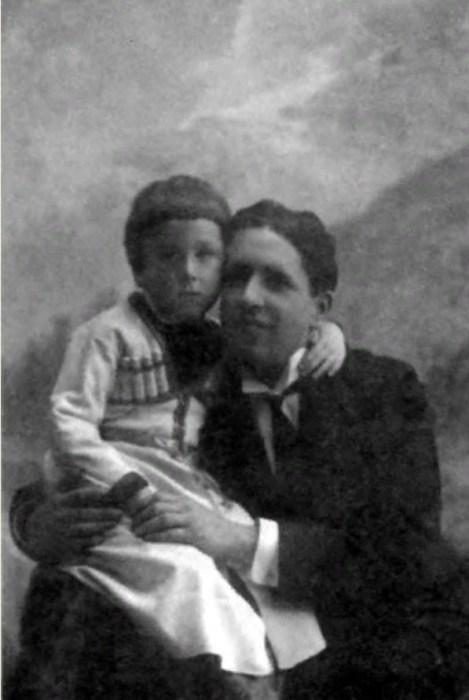 Ростислав Плятт в детстве с папой. / Фото: www.e-libra.ru