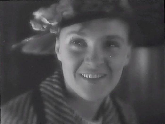 Елена Кузьмина, кадр из фильма «Горизонт». / Фото: www.kino-teatr.ru