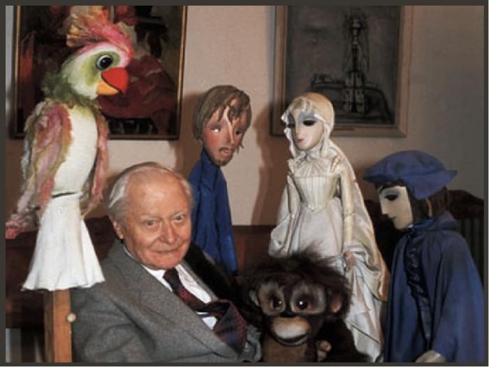 Сергей Образцов и его куклы. / Фото: www.infourok.ru