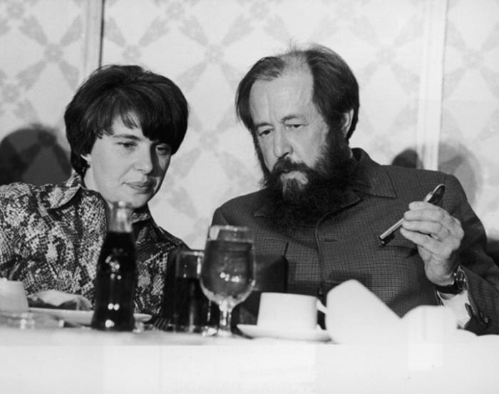 Александр Солженицын и Наталия Светлова. / Фото: www.litrossia.ru