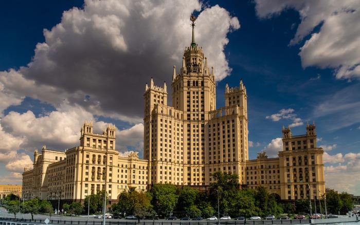 Дом на Котельнической набережной. / Фото: www.fluidr.com