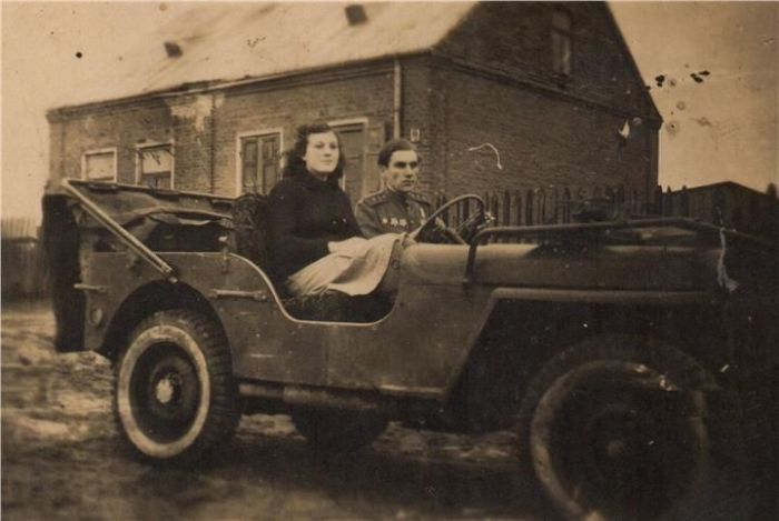 Алексей и Александра Высоцкие. / Фото: www.kerch.com.ru