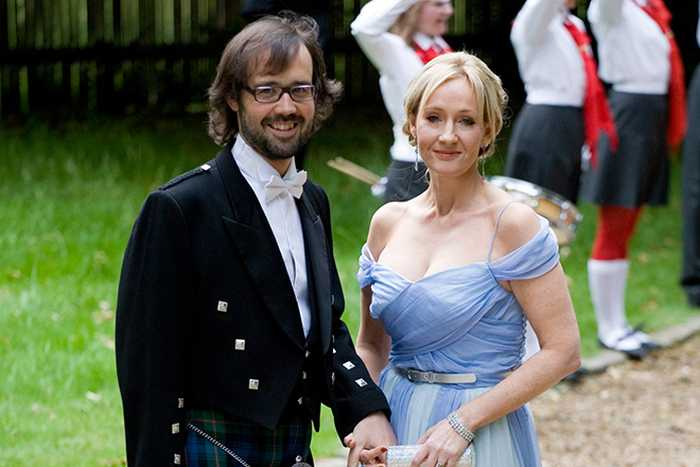 Джоан Роулинг и Нил-Майкл Мюррей. / Фото:  www.taddlr.com