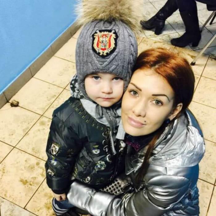 Николь Кузнецова с сыном. / Фото: www.dobrocom.infо