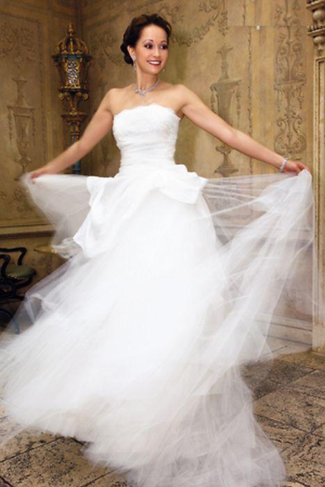 Ольга Кабо - невеста. / Фото: Марк Штейнбок, www.7days.ru