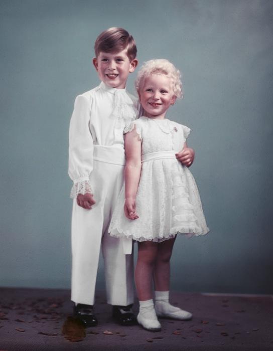 Принц Чарльз и принцесса Анна, 1953. / Фото: www.infobarrel.com
