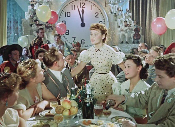 Кадр из фильма «Карнавальная ночь». / Фото: www.golos.io