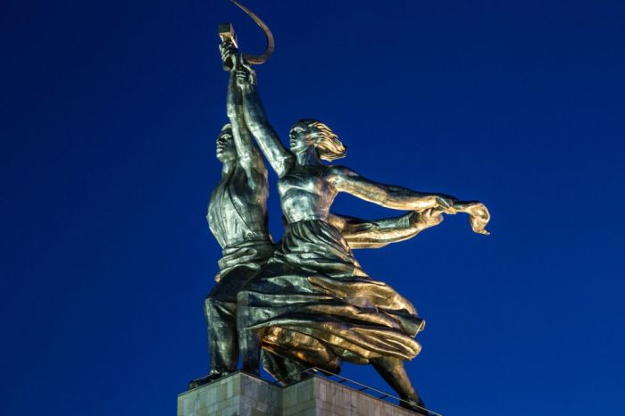 «Рабочий и колхозница», скульптор Вера Мухина. / Фото: www.worldpics.pro