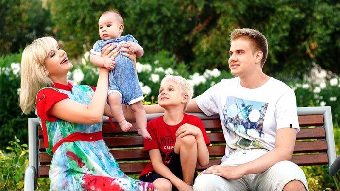 Натали с сыновьями. / Фото: www.rutube.ru