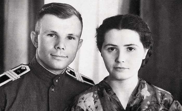 Юрий и Валентина Гагарины. / Фото: www.litres.ru