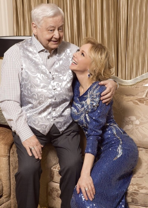 Олег Табаков и Марина Зудина. / Фото:  www.kristallgold.ru