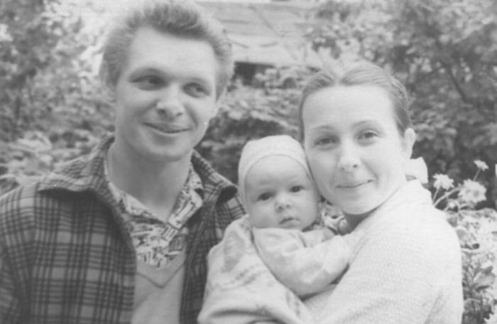 Эдуард и Зоя Хиль с сыном. / Фото: www.baba-deda.ru