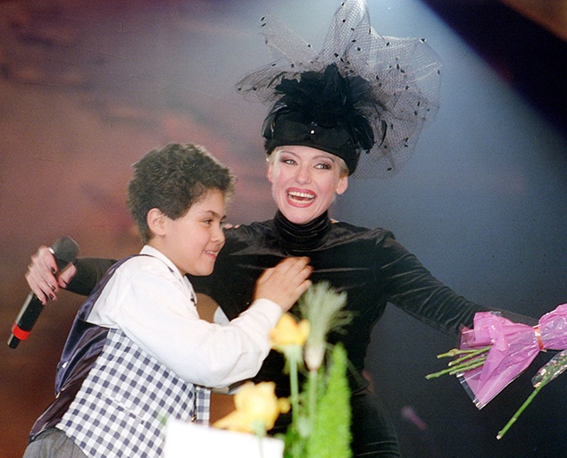 Ирина Понаровская с сыном Энтони. / Фото: www.kp.ua