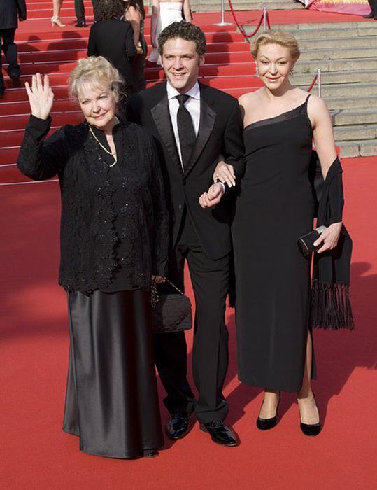 Ирина Скобцева, Константин Крюков, Алёна Бондарчук. / Фото: www.all-pages.com