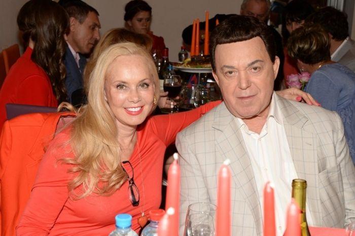 Иосиф Кобзон с супругой Нелли. / Фото: www.zvezdi.ru