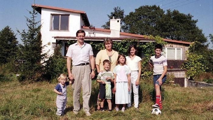 Бронислав Коморовский и Анна Дембовская с детьми. / Фото: www.300polityka.pl
