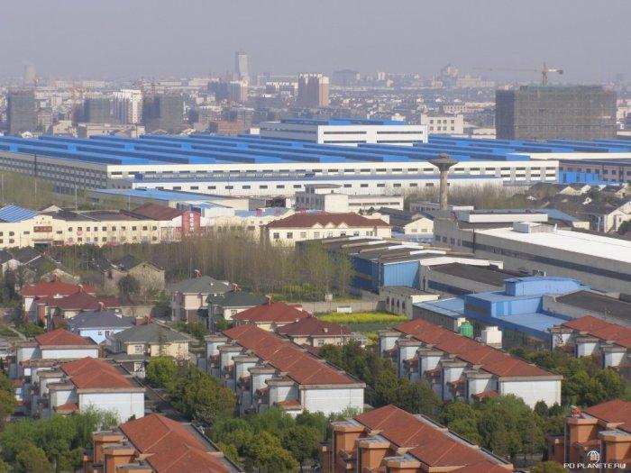 В Хуаси множество промышленных предприятий. / Фото: www.poplanete.ru