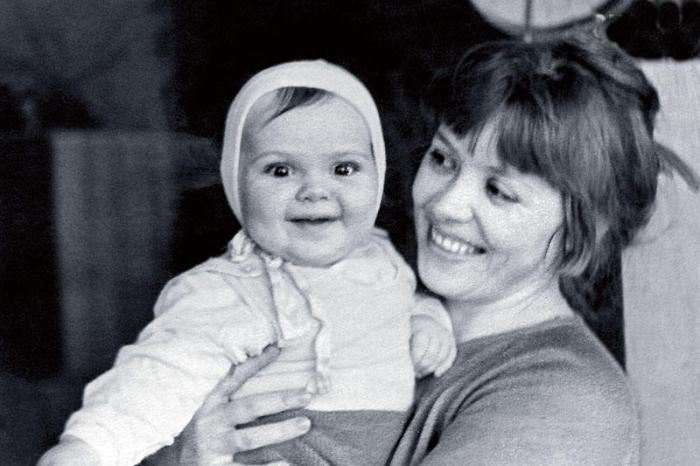 Светлана Карпинская с дочерью Катей. / Фото: из архива С. Карпинской, www.7days.ru
