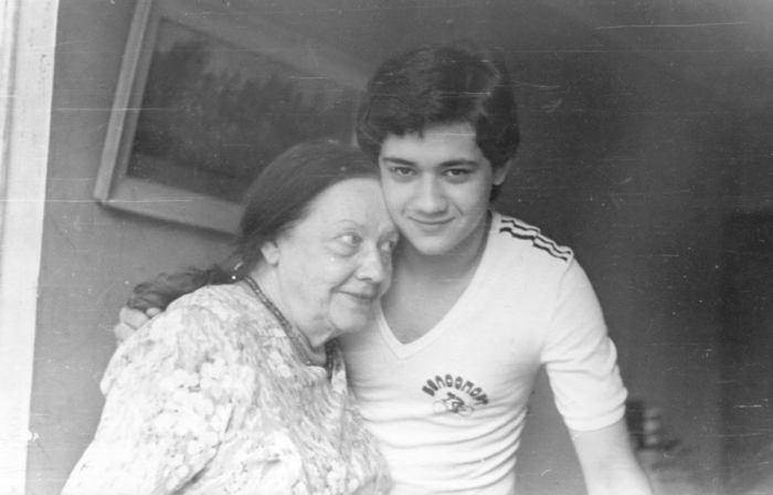 Антонина Пирожкова с внуком Андреем. / Фото: www.lechaim.ru