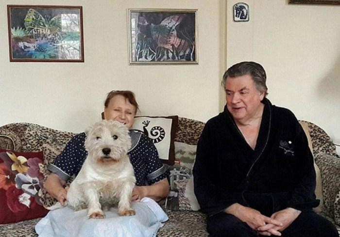 Александр Ширвиндт с женой Натальей Белоусовой и Мики-вторым. / Фото: www.zoomir.ru