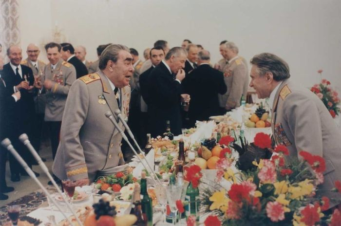 1978 г. Л.И. Брежнев и Н.А. Щелоков на приеме. / Фото: www.bidspirit.com